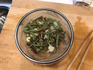 湯にさらした山菜ミックス