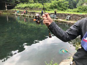 小菅トラウトガーデンで釣り大会